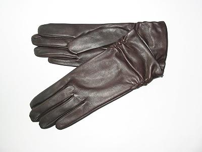 Dámské kožené rukavice z jemné italské jehnětiny. 808c2f7d1b