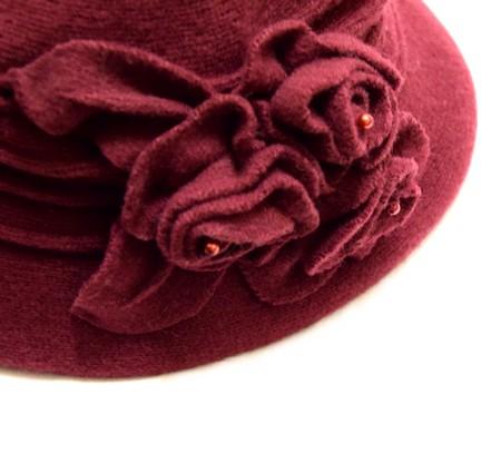 1cd47051bb6 Vínový dámský vlněný klobouk s květinou